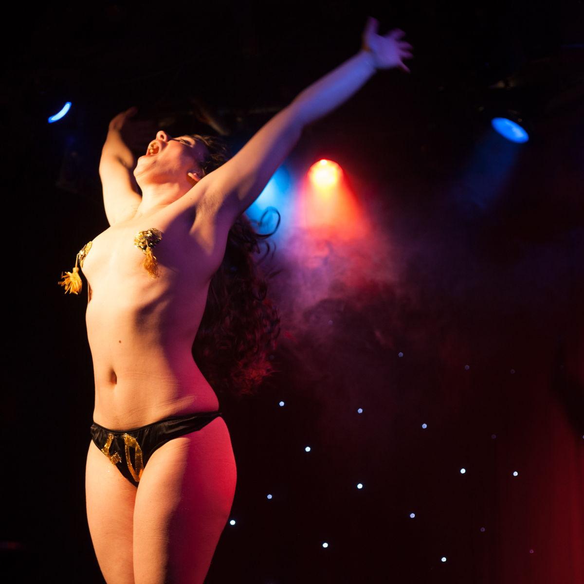 Free Amateur Striptease Retro Pics